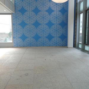 Naturstein-Boden im Eingang