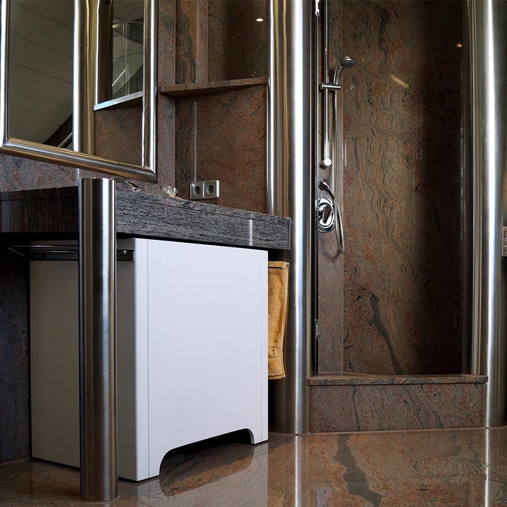 treppen bodenbel ge k chenarbeitsplatten aus stein. Black Bedroom Furniture Sets. Home Design Ideas