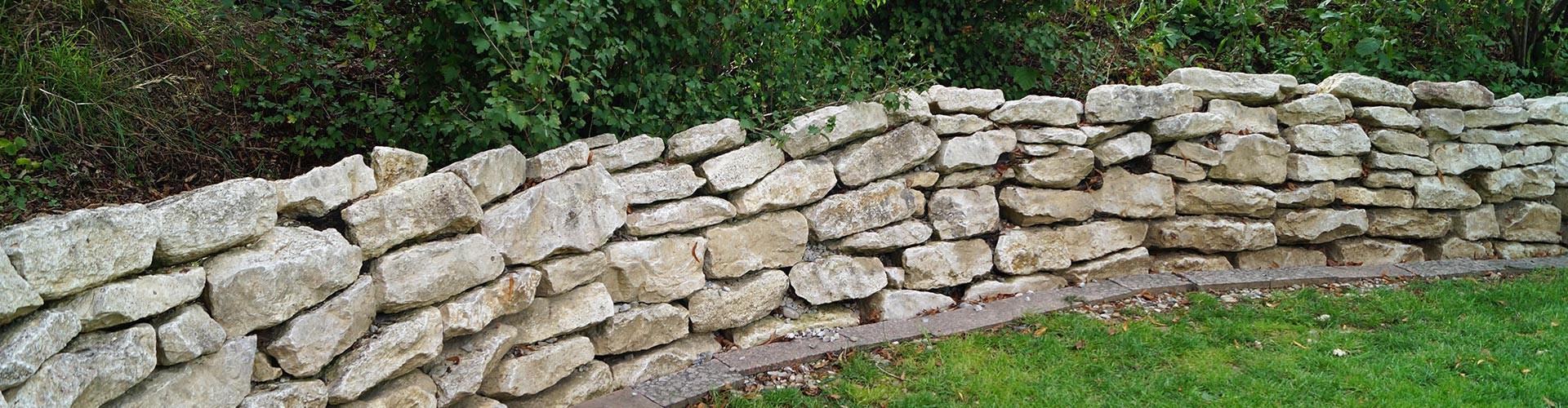 Steinmauer von Marmor Peter
